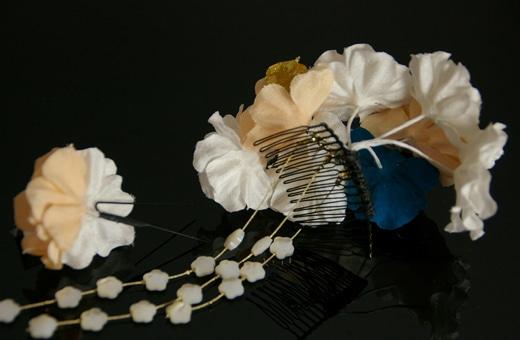 かわいらしい多色の正絹髪飾り2点セット