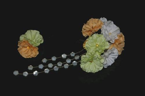 振袖にあう髪飾り「戀華(IT030)」白×オレンジ×グリーン
